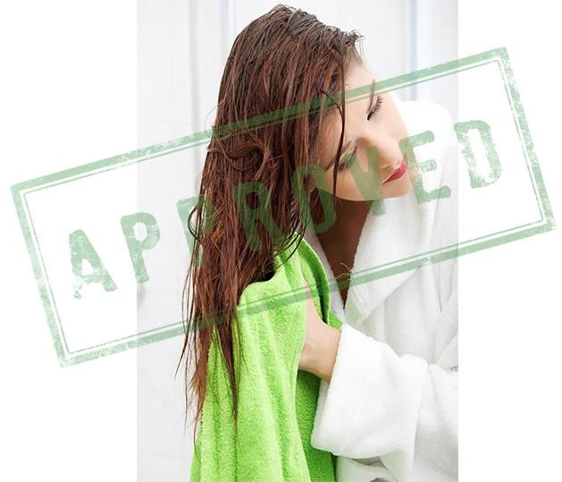using-a-microfiber-towel-to-dry-your-hair-is-delicate-and-will-not-ruin-them-natural-hair-care-tips