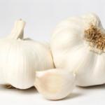 garlic-table